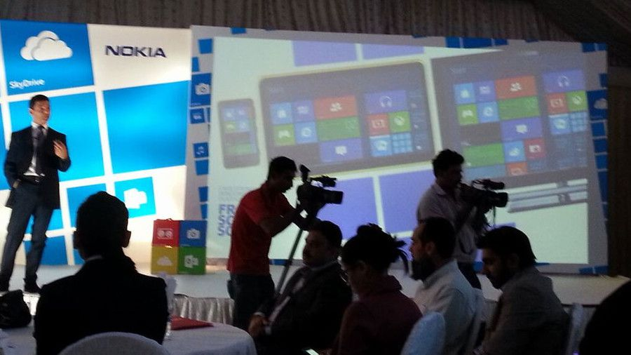 Tableta Nokia Lumia cu Windows 8