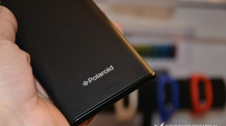 Smartphone Polaroid cu Windows Phone