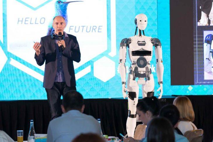 Robotul InMoov la Bucharest Technology Week