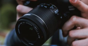 Aparat foto DSLR Canon