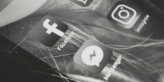 Aplicații Facebook